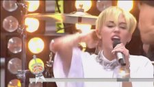 Miley Cyrus - Party İn The Usa (Canlı Performans)