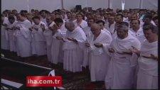 Arafat'ta gözyaşları eşliğinde vakfe duası
