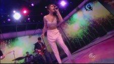 Selena Gomez - Slow Down (Canlı Performans)