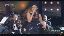 Sevcan Orhan - Yağmurun Sesine Bak (Canlı Performans)