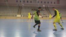 Futsal'da Akıl Almaz Çalım!