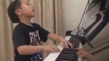 5 Yaşında Harika Piyano Çalan Çinli Çocuk