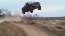 Ford süper uçma ve sonra yere çakılma!