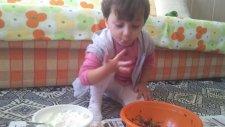 Reyyan'nın Yoğurt Yemesi