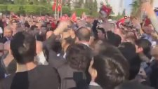 Adana Valisi Törende Halka Küfür Etti