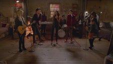 Glee Ft Demi Lovato & Adam Lambert - Roar