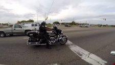 Polis Motosikleti Harley Davidson Olursa