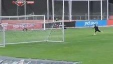 Sergio Ramos Kaleye Gözünü Dikti