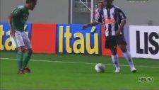 Ronaldinho Atletico Mineiro Futbol Show!