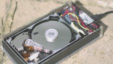 40X yavaş çekimde bir sabit disk