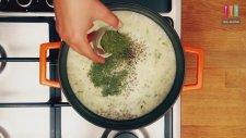 Yeşil Mercimekli Pırasalı Yoğurt Çorbası