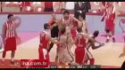 Olimpiakos - Galatasaray Maçında Kavga Çıktı