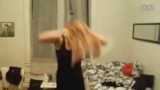 Androjen Manken Andrej Pejic'ten Çılgın Dans