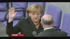 Merkel Yemin Ederek Göreve Başladı
