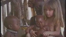 Afrikada Küçük Bir Kız Tippi