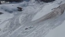 Çığ'dan Son Anda Kurtulan Dağ Keçileri
