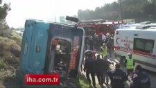 Otobüs Devrildi, 30 Yolcu Ölümden Döndü