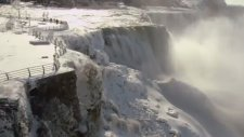 Ünlü şelale Niagara buz tuttu!