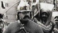 Ozan Altan - Bir Kahraman Bekliyoruz