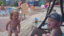 Tatışmacı Komik Bebek Videoları