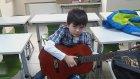Topkapı Doğa Koleji Haftasonu Gitar Kursu Ders Öncesi Gitar Tutuşu Ve Hatırlatmalar