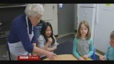Küçük Çocukların 100 yaşındaki Öğretmeni