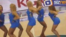 Litvanyalı Ponpon Kızların Süper Gösterisi