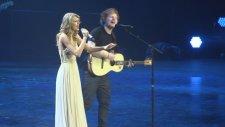 Taylor Swift & Ed Sheeran - I See Fire (Canlı Performans)
