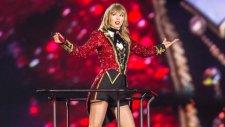 Taylor Swift - We Are Never Ever Getting Back Together (Canlı Performans)