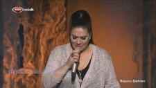 Işın Karaca - Esmer Günler (Canlı Performans)