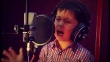 4 Yaşındaki Özbek Çocuğun Muhteşem Şarkısı