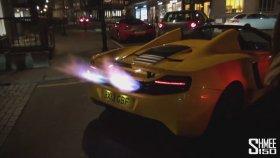 Sokaklarda Alev Atan McLaren