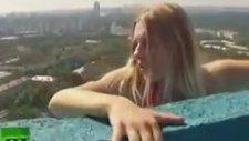 Rus Kız Yükseklik Korkusuna Meydan Okuyor