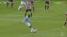 Yaya Toure'den Fantastik Gol