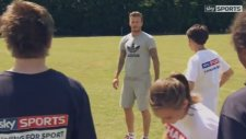 David Beckham'la Düzgün Top Sürme Dersi