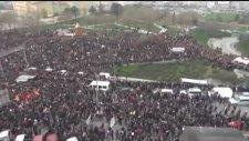 Elvan'ın Cenazesine Katılan Göstericiler E-5'i Kapattı