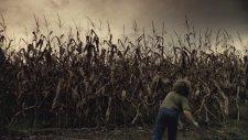 The Fields (2011) Fragman
