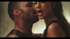 Ricky Martin Feat. Jennifer Lopez & Wisin - Adrenalina