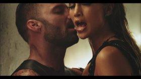 Ricky Martin - Feat. Jennifer Lopez