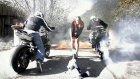 Drift Motosiklet Yarışı (Kısıtlı Alan 2)