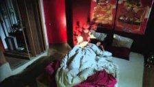 Kara Para Aşk 3. Bölüm Ömer'in Eli Elif'in Omzunda