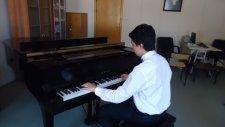 Piyanist'ten Polifonik  İlahiler Piyano Ben Yürürüm Yane Yane Yunus Emre Enstrumantal Polifoni Üstad
