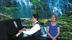 Genç Piyanist İle Müzikler İndim Havuz Başına Vokal: Ece Yalova İstanbul Öğren Öğrenci Eğitimi Kursu