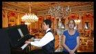 Piyanist İle Atatürk Sevdiği Şarkılar Solist: Oya Piyano Kırmızı Gülün Ali Var Parçalar Türküler Gül