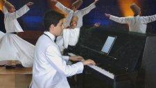Genç Piyanist İlahileri Ah Nice Bir Uyursun Akustik Piyanolar Sound Çocuk Küçük Yetenekler Orjinal