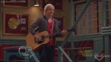 Disney Channel - Austin & Ally