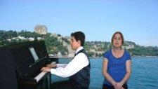 Piyanist Ve Türk Sanat Müziği Şarkıları Unuttun Beni Zalim Şan:ece Bir Sevda Geldi Başıma Zeki Müren