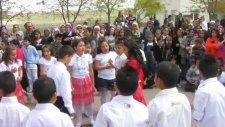 4-B Sınıfından Penguen Dansı