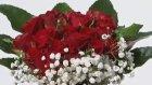 Çiçek Sepeti Şık Cam Vazoda Kırmızı Güller