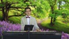 Piyano Kırmızı Gülün Ali Var Atatürk Sevdiği Şarkı Türkü Piyanist Dersi Son Bedava Kültür Salonu Ses